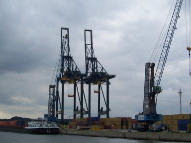 antwerp_port_cranes_loading.jpg
