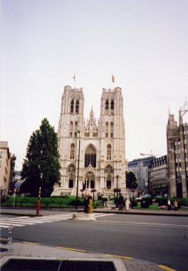 brussels_cathedral_01.jpg